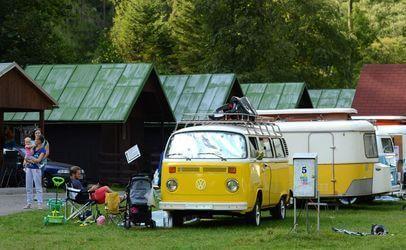 Autokemp Bučnice u Adršpachu, který leží v srdci Adršpašských a Teplických skal je přímo stvořený pro rodinnou dovolenou nebo výlet s dětmi.